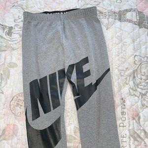 Girls Nike Leggings With logo